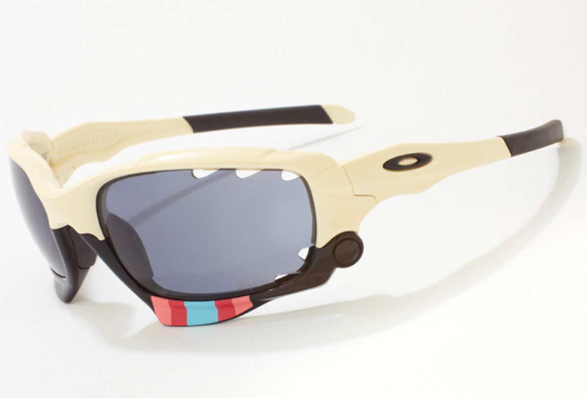 rapha-oakley-jawbone-charity-auction-04