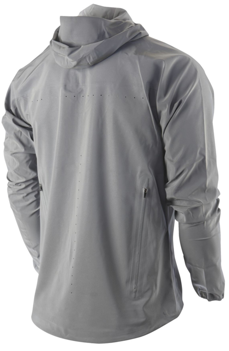 nike-vapor-flash-running-jacket-02