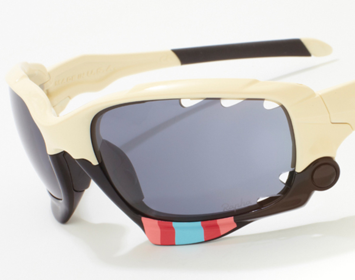 rapha-oakley-jawbone-charity-auction-03