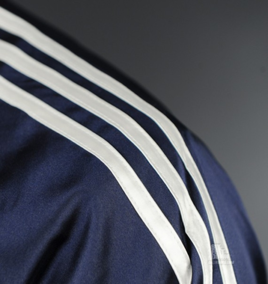 adidas-originals-club-jacket-05