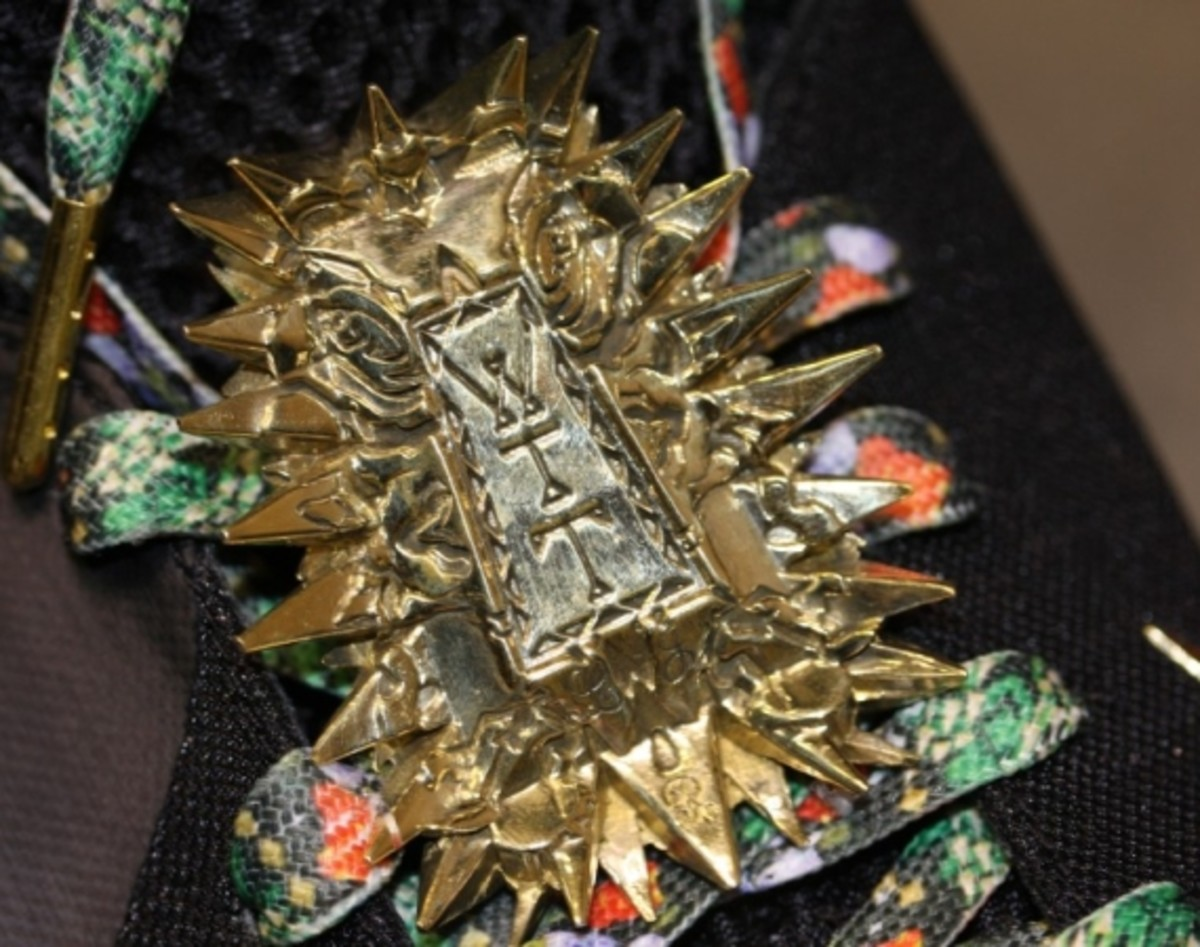 gabriel-urist-nike-lebron-9-watch-the-throne-jewel-01