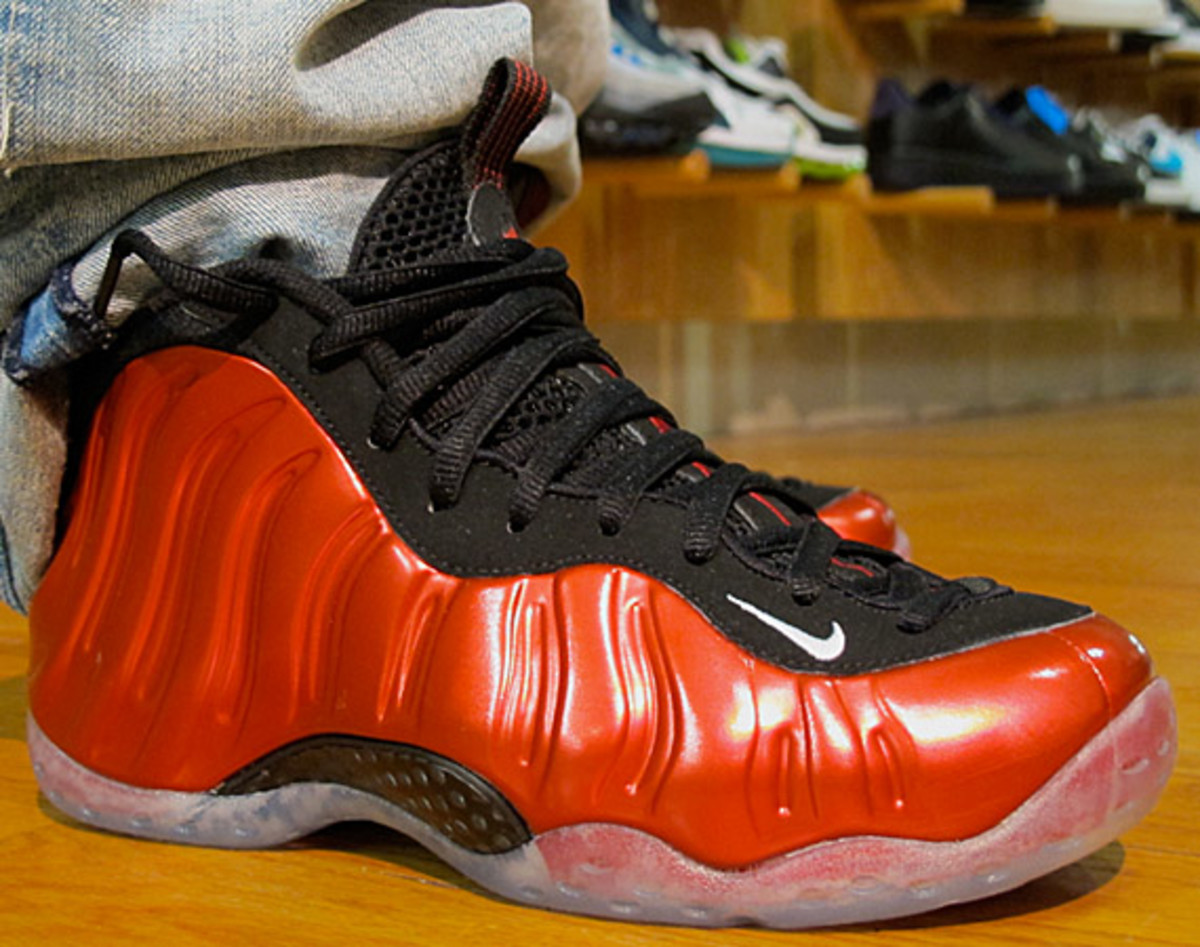 nike-foamposite-metallic-red-6