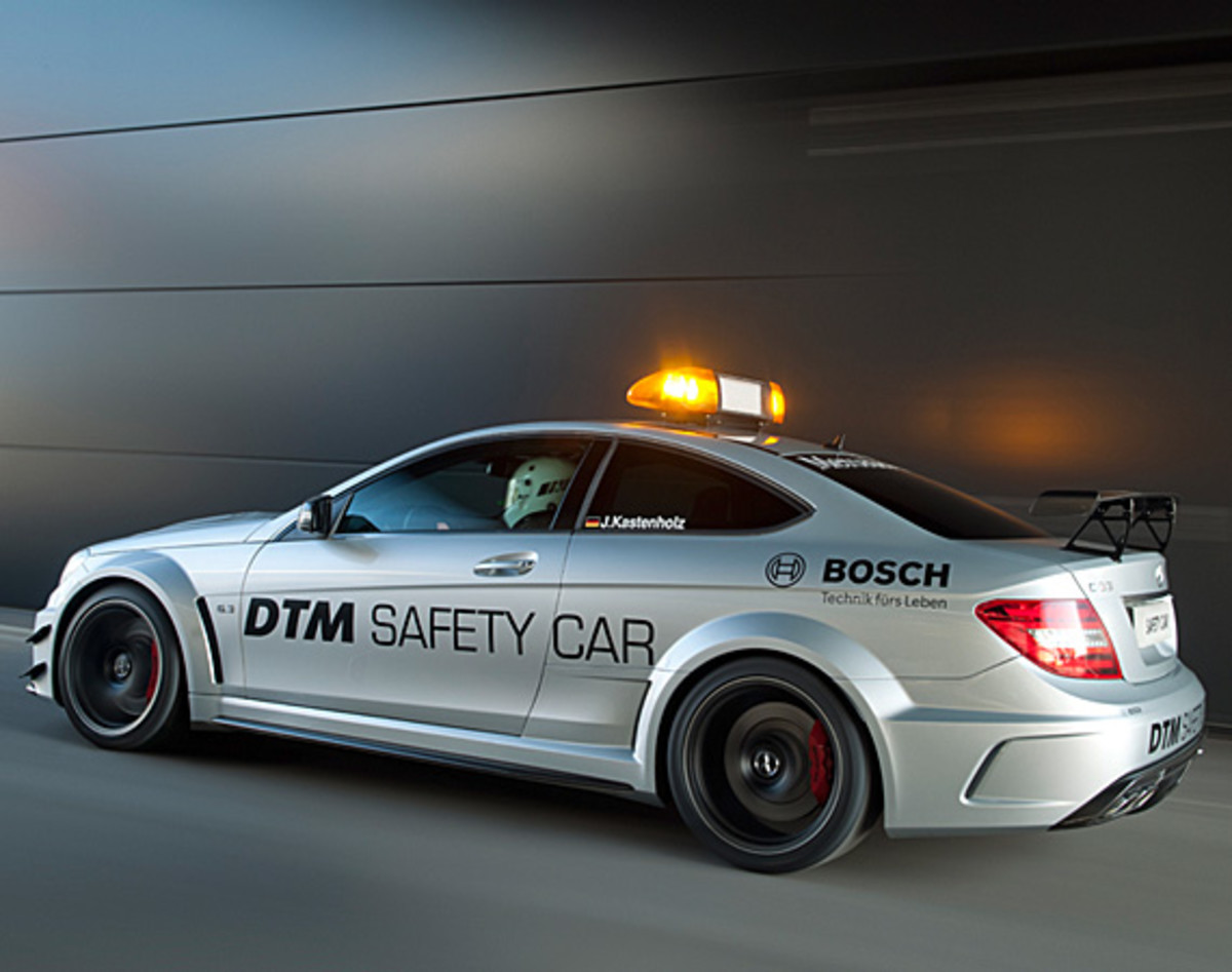 mercedes-benz-C63-amg-coupe-black-series-2012-dtm-safety-car-03
