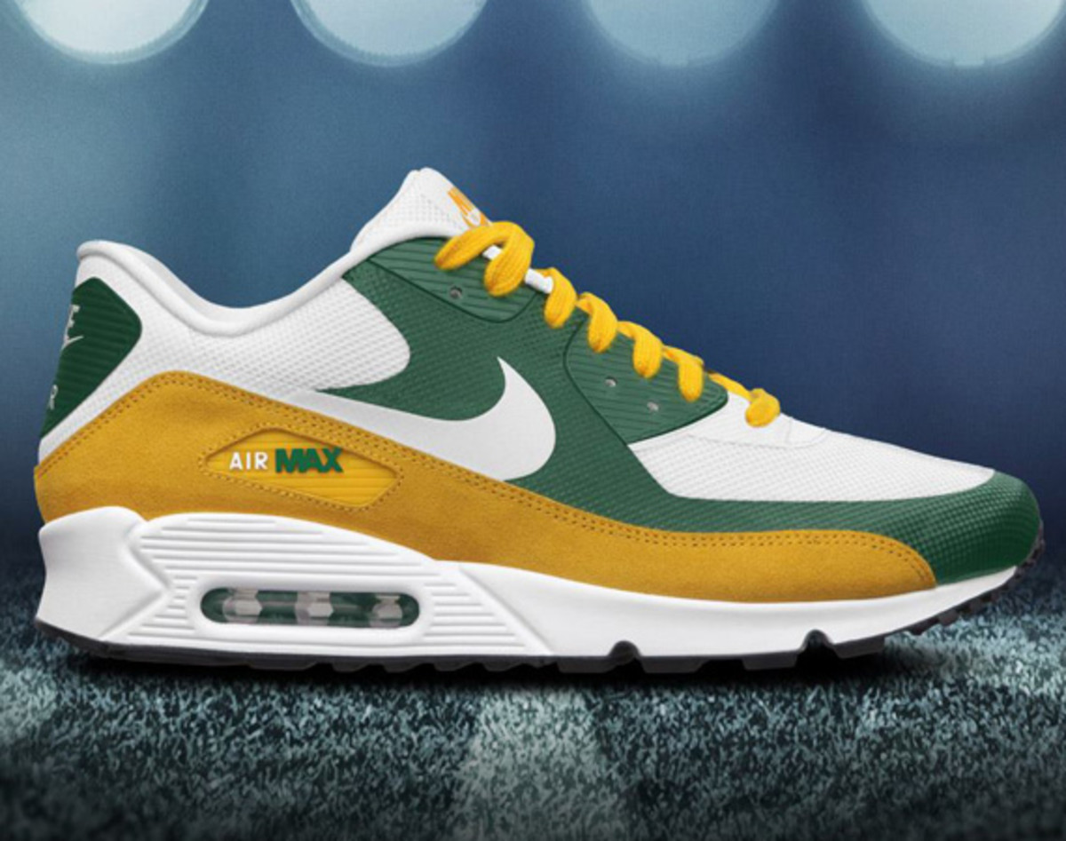the latest 379c0 7f558 For the NFC North, the dedicated shoe takes the form of a Nike Sportswear  stalwart, the Air Max ...
