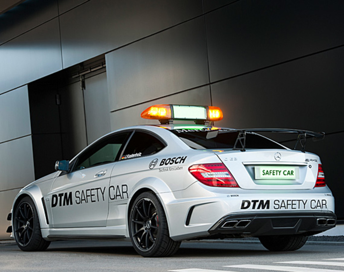 mercedes-benz-C63-amg-coupe-black-series-2012-dtm-safety-car-04