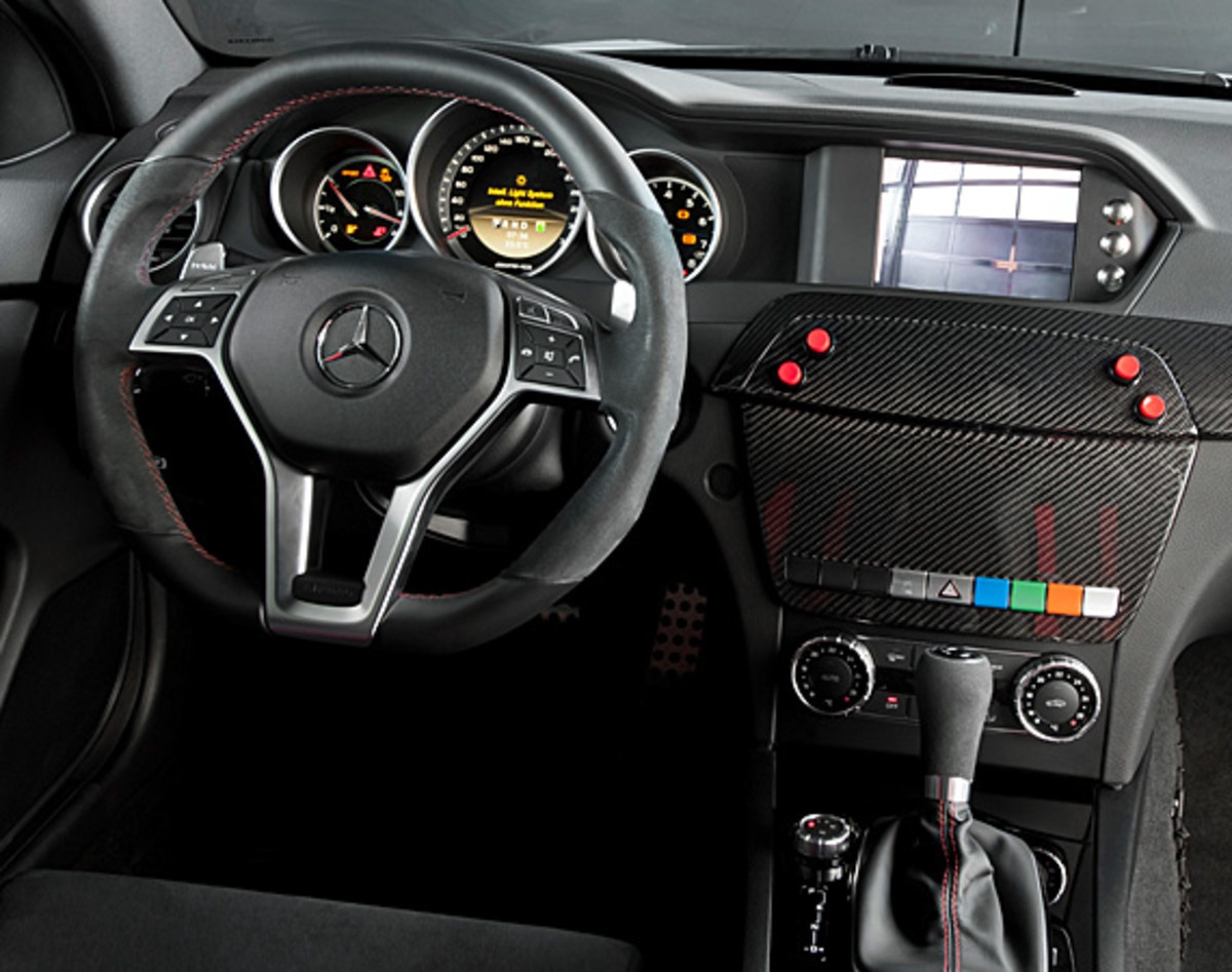 mercedes-benz-C63-amg-coupe-black-series-2012-dtm-safety-car-06