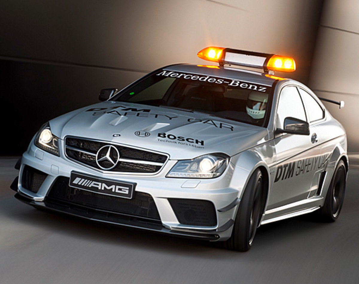 mercedes-benz-C63-amg-coupe-black-series-2012-dtm-safety-car-02