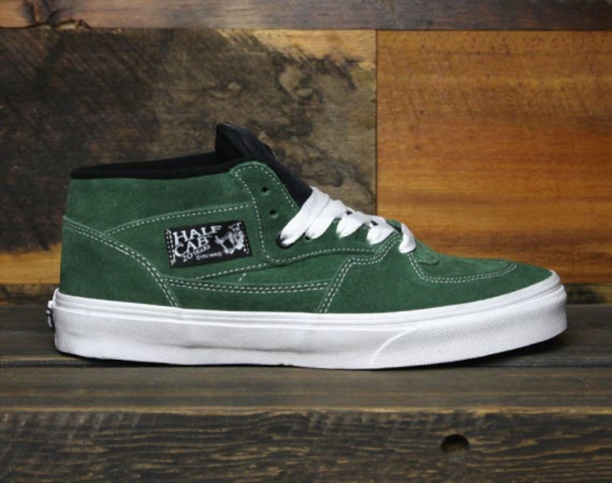 046cc45d425ee3 VANS Half Cab 20th Anniversary Edition - Forest Green - Freshness Mag
