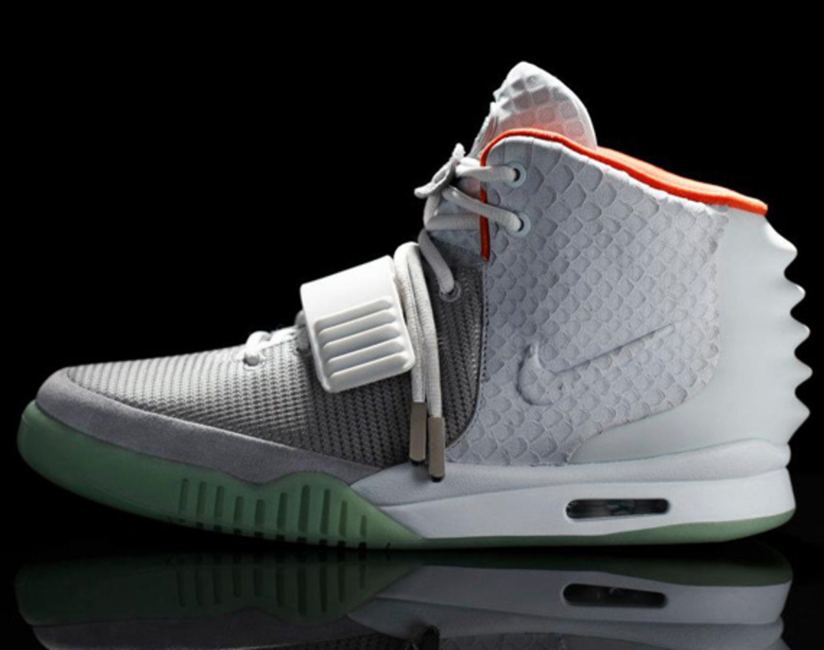 nike-air-yeezy-2-us-release-03