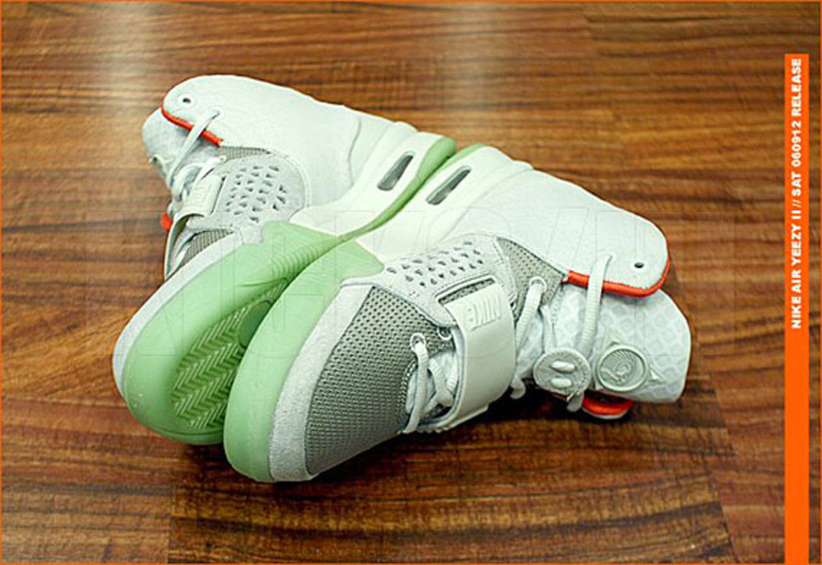 kicks-hawaii-nike-air-yeezy-2-release-07