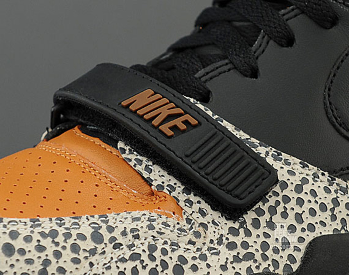 nike-air-trainer-1-mid-safari-premium-quickstrike-03