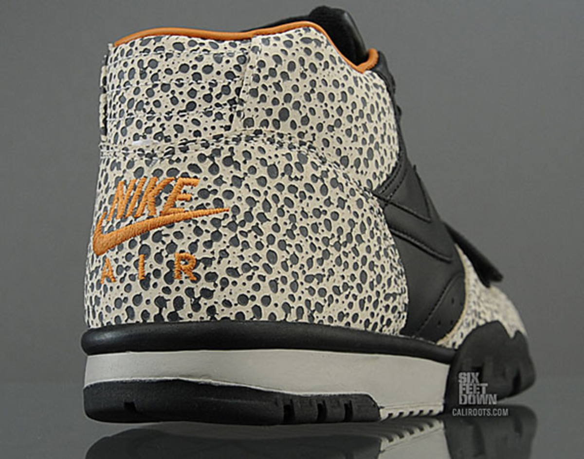 nike-air-trainer-1-mid-safari-premium-quickstrike-02