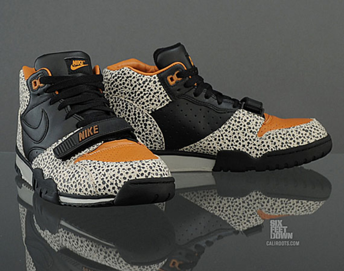 nike-air-trainer-1-mid-safari-premium-quickstrike-08