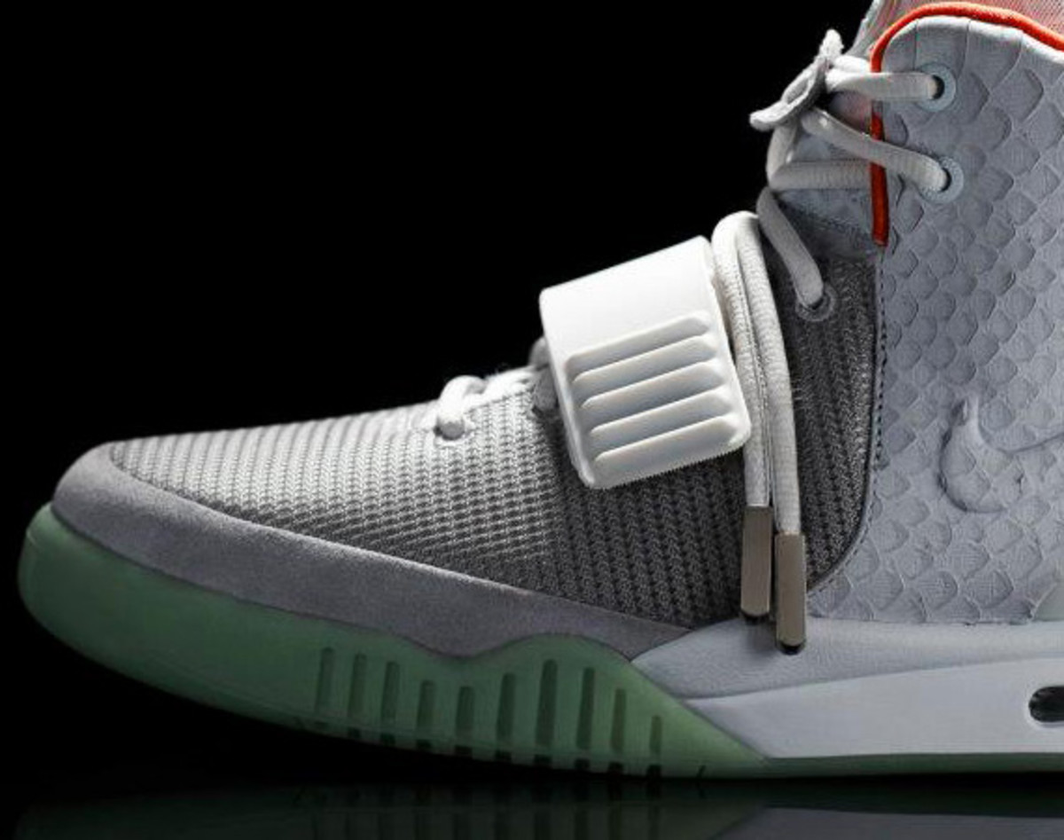 nike-air-yeezy-2-us-release-04