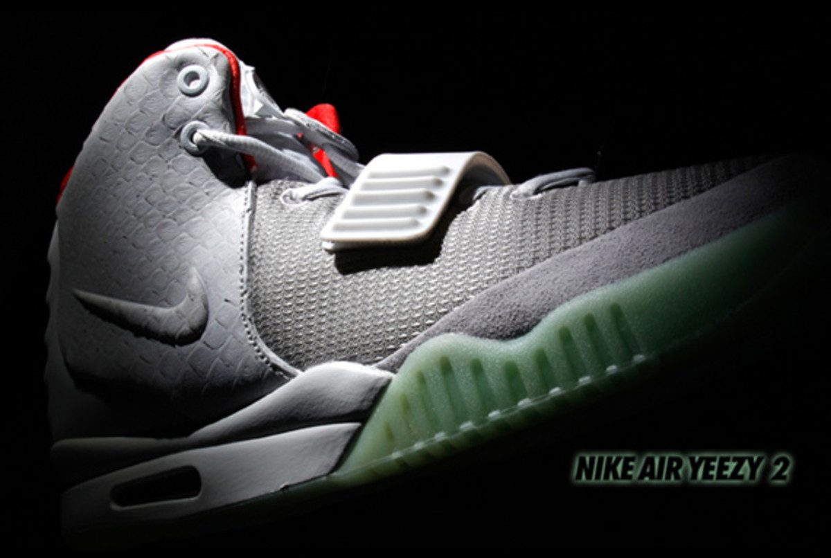 nike-air-yeezy-2-invincible-02
