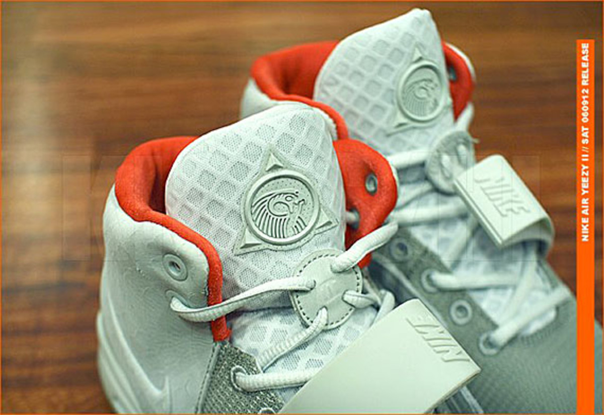 kicks-hawaii-nike-air-yeezy-2-release-02