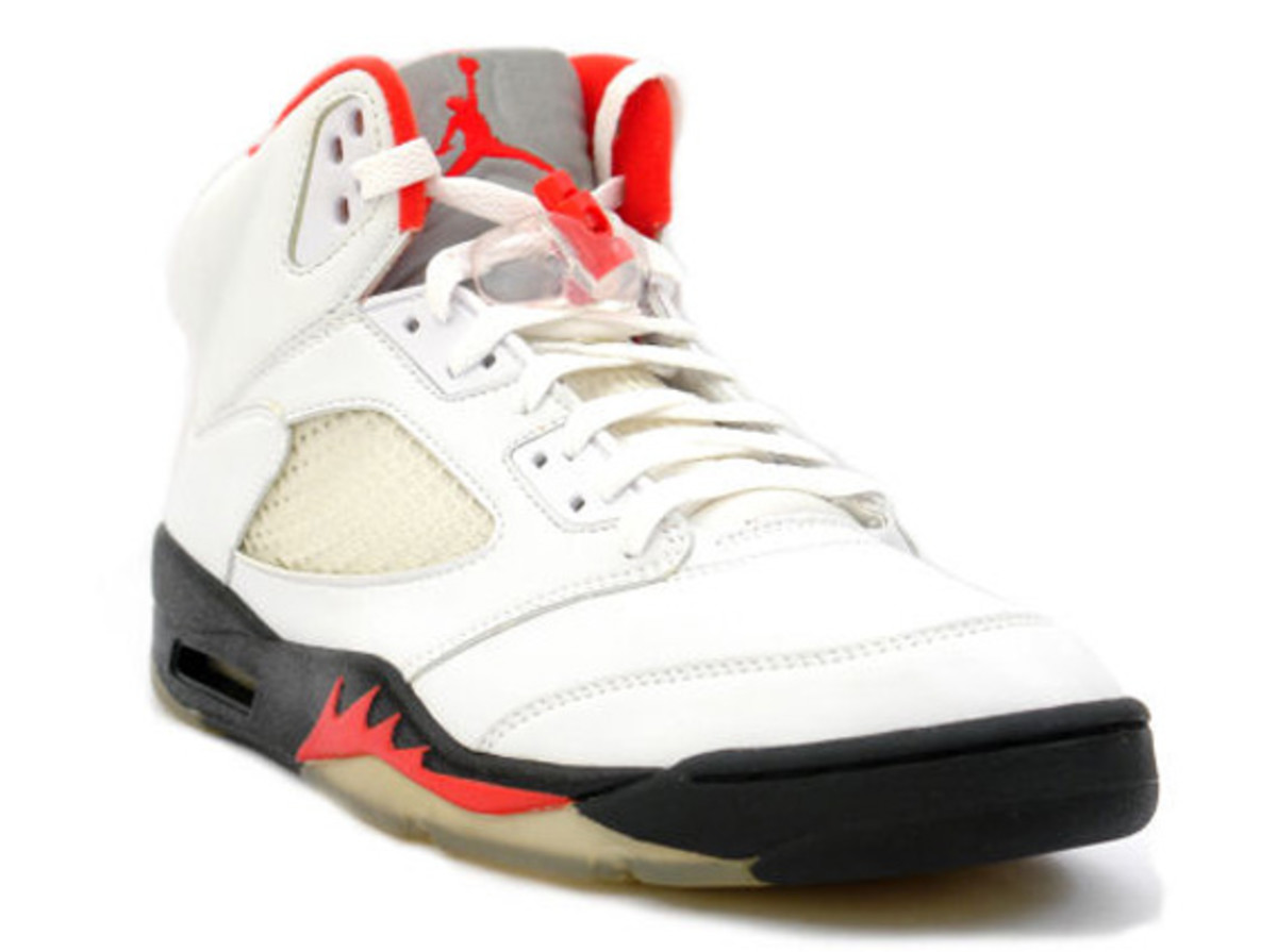 air-jordan-v-retro-fire-red-03