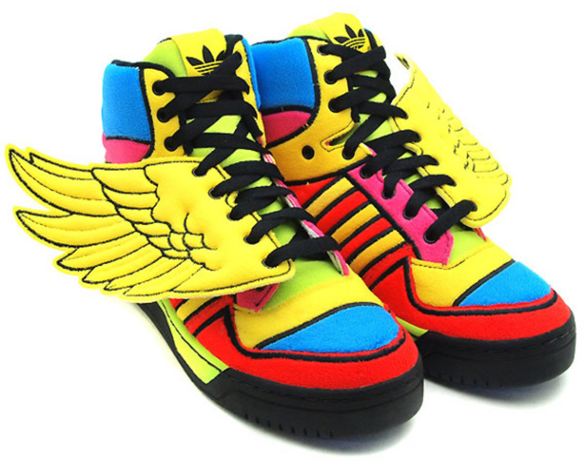 2c8f62315ccc adidas Originals by Jeremy Scott JS Wing