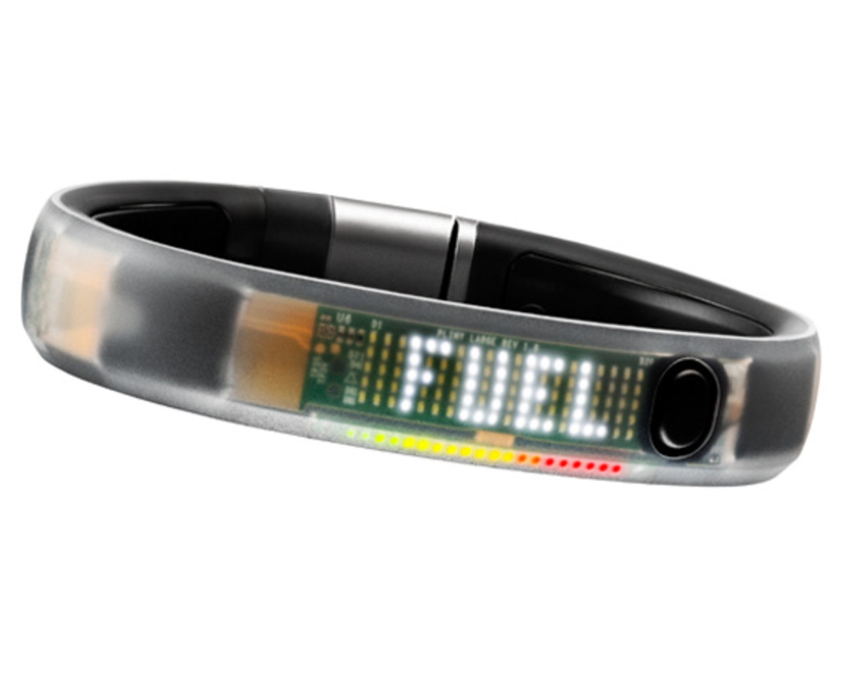 nike-plus-fuelband-ice-clear-01
