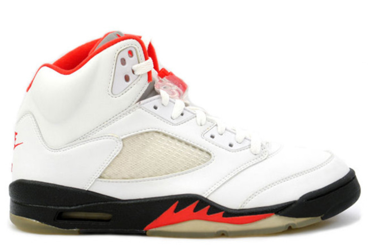 air-jordan-v-retro-fire-red-02