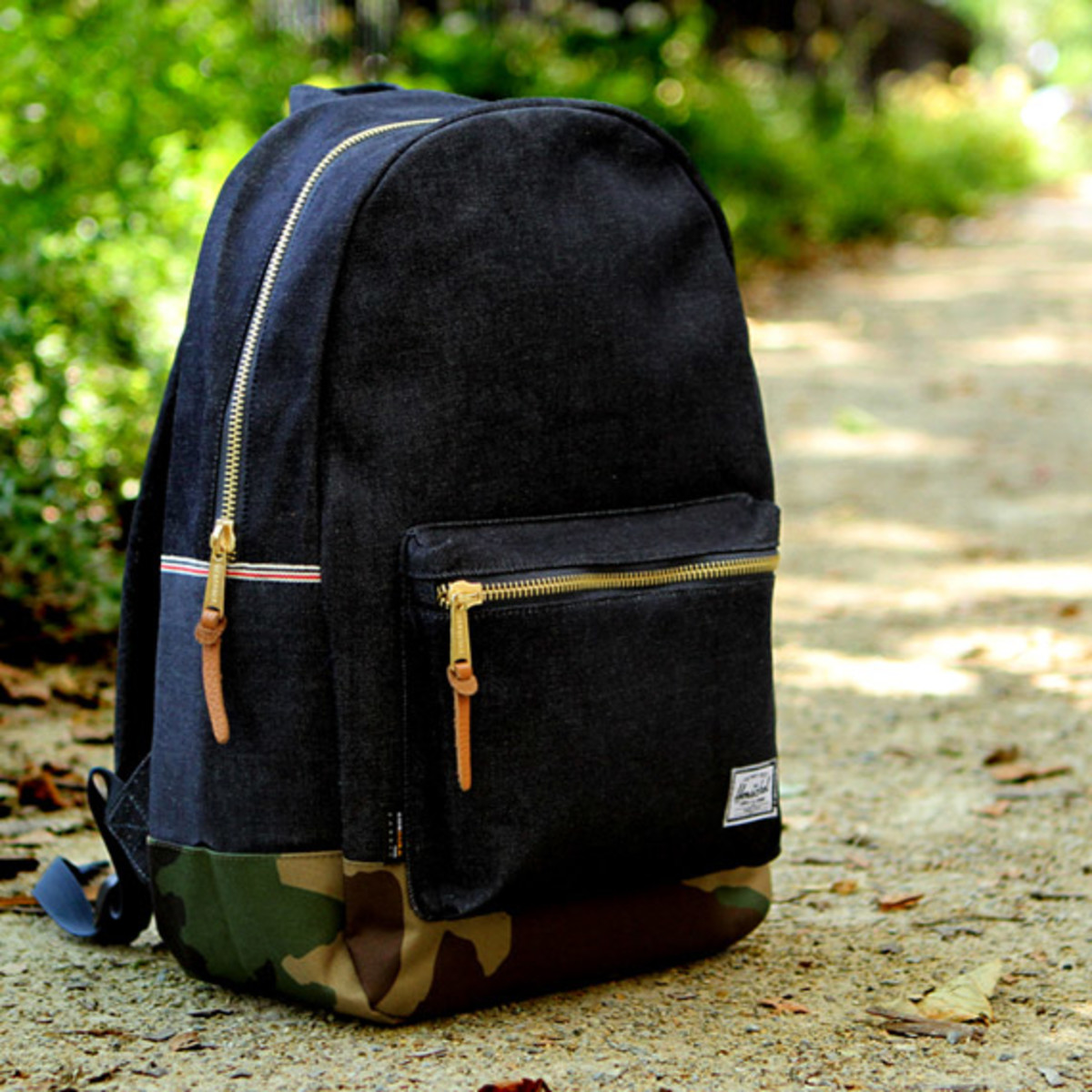 kith-ronnie-fieg-herschel-supply-co-denim-backpack-02