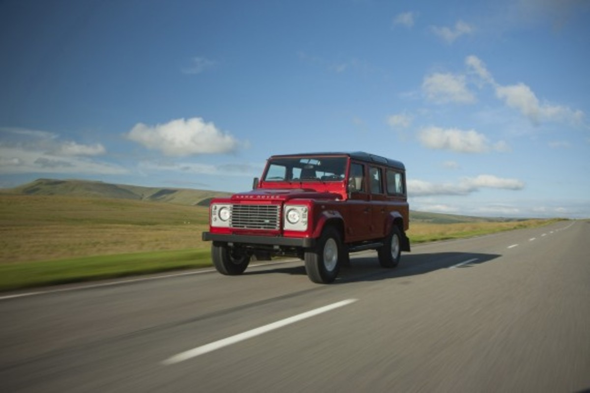 2013-land-rover-defender-01