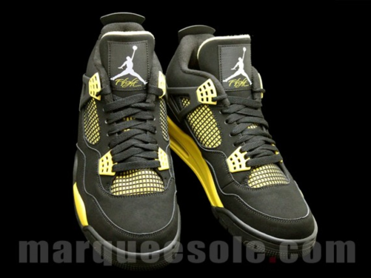 air-jordan-iv-thunder-2012-04
