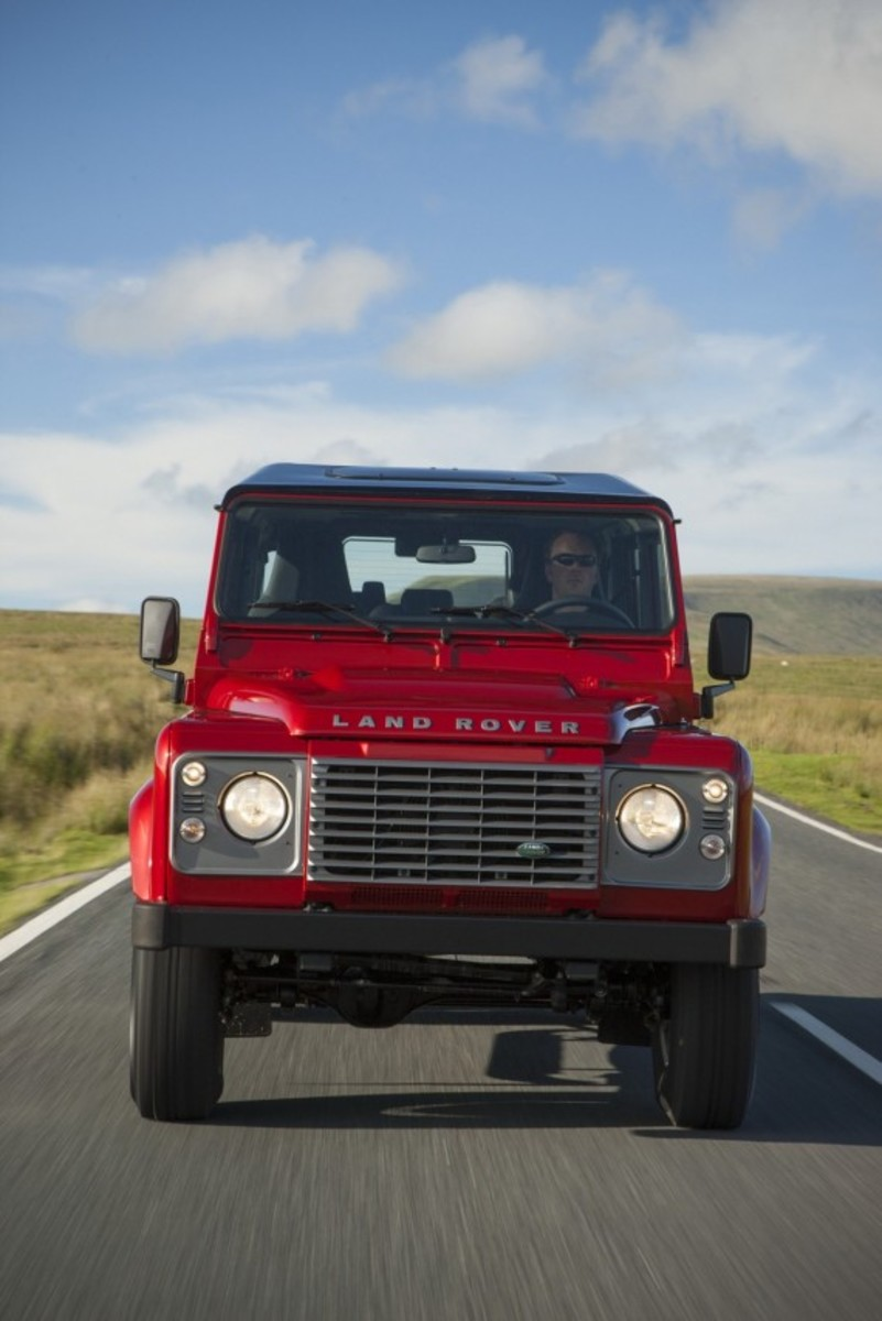 2013-land-rover-defender-23