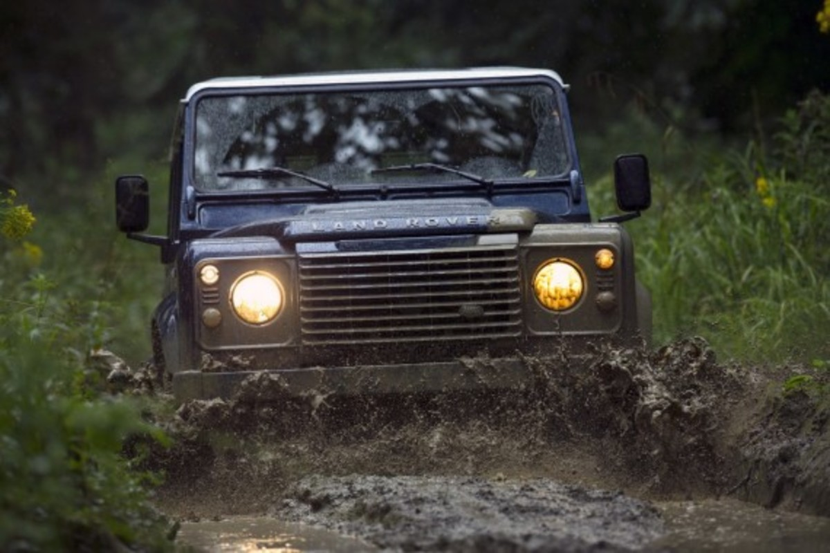 2013-land-rover-defender-08