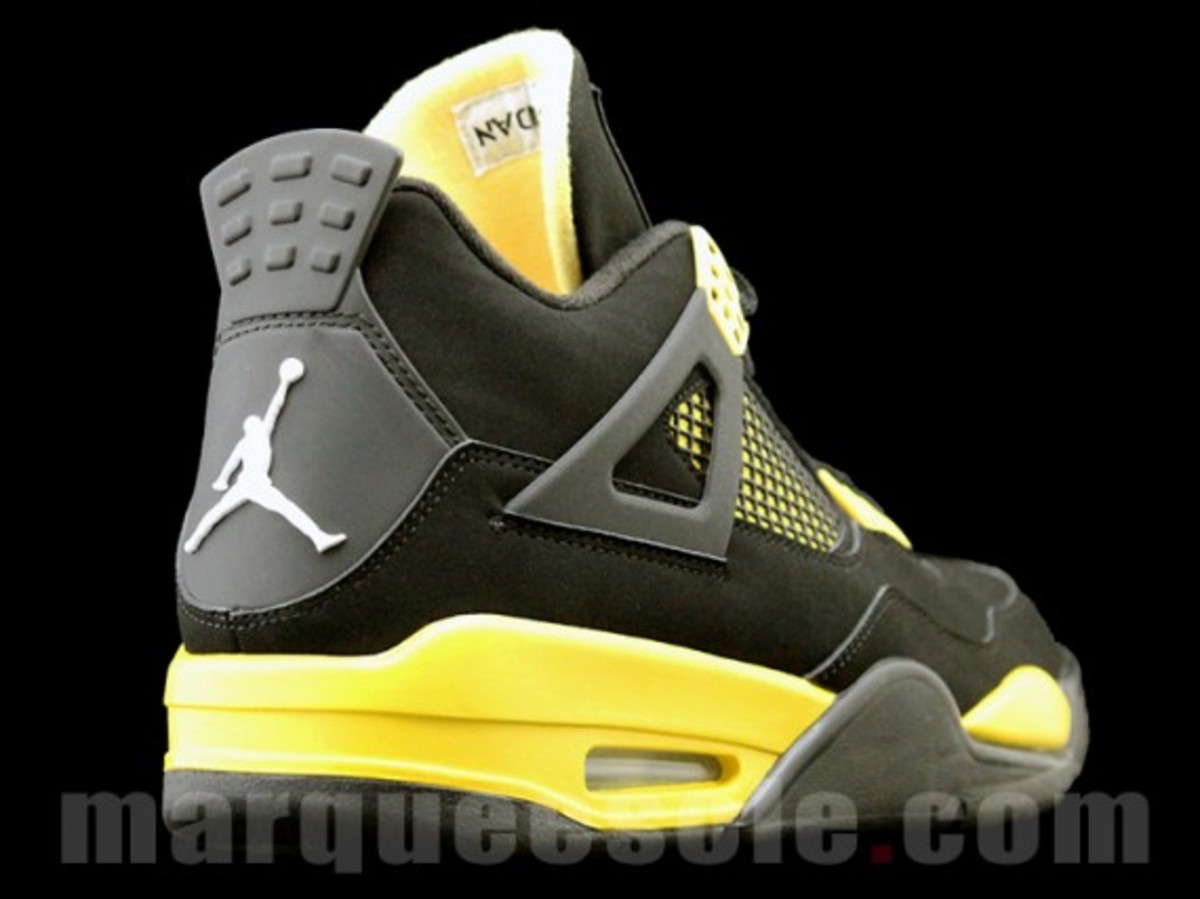 air-jordan-iv-thunder-2012-02