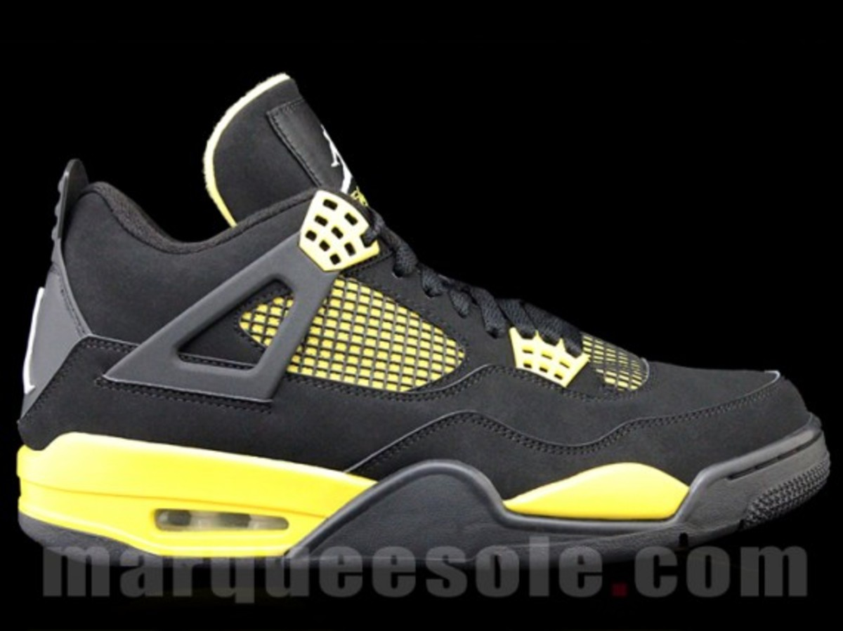 air-jordan-iv-thunder-2012-01