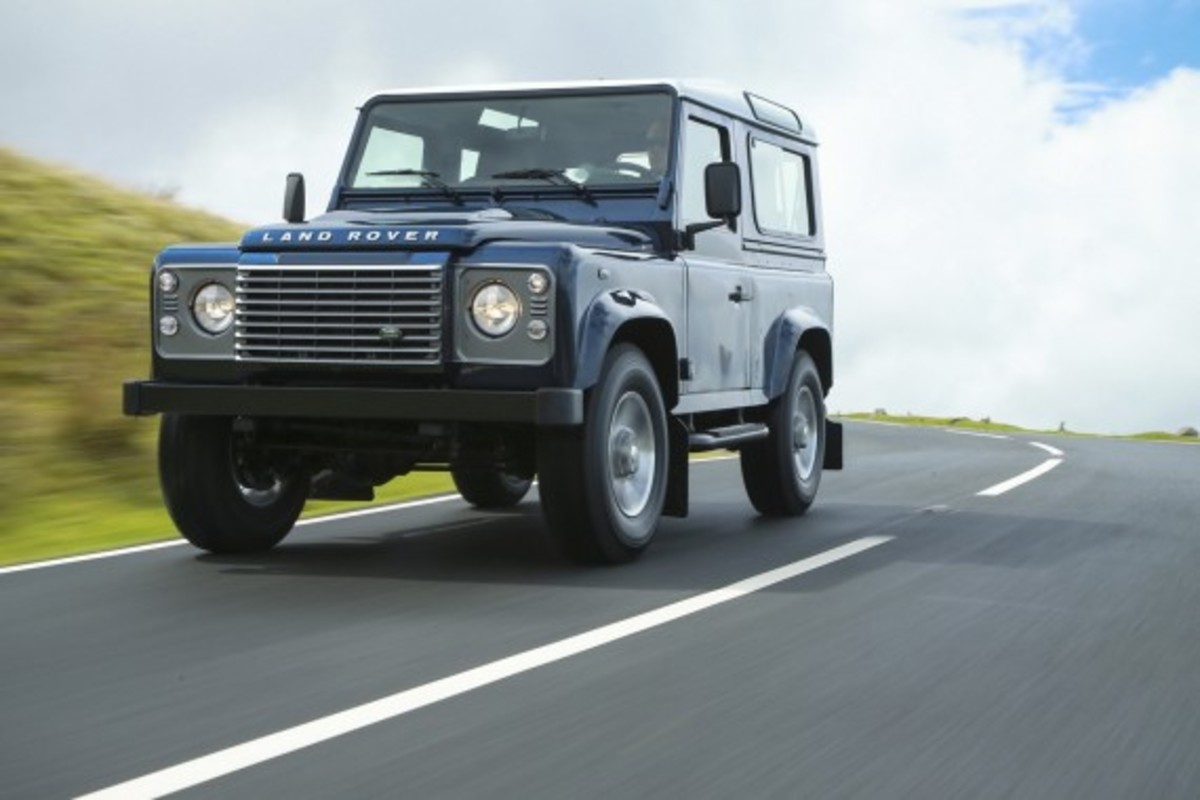 2013-land-rover-defender-10