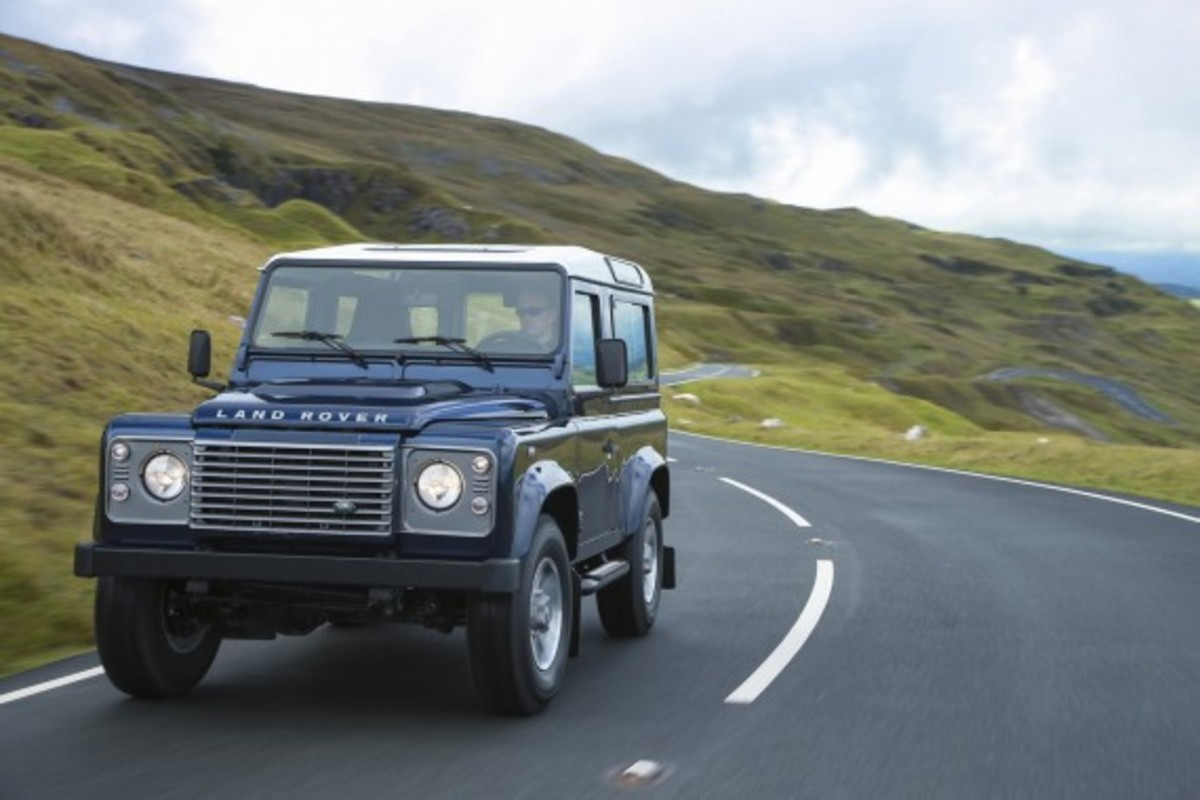 2013-land-rover-defender-12