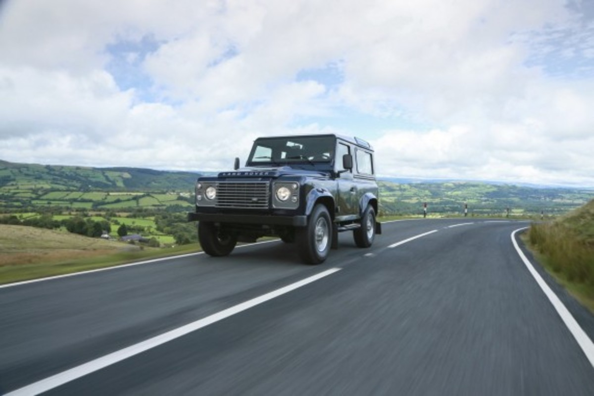 2013-land-rover-defender-11