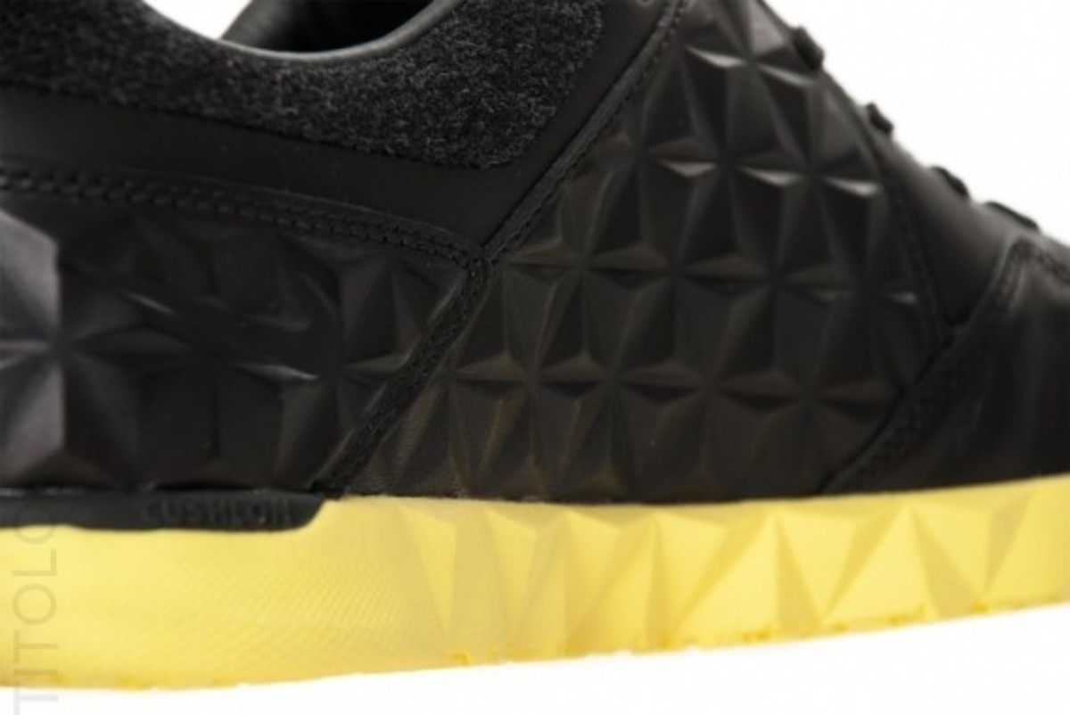 nike5-streetgato-woven-qs-black-anthracite-yellow-03