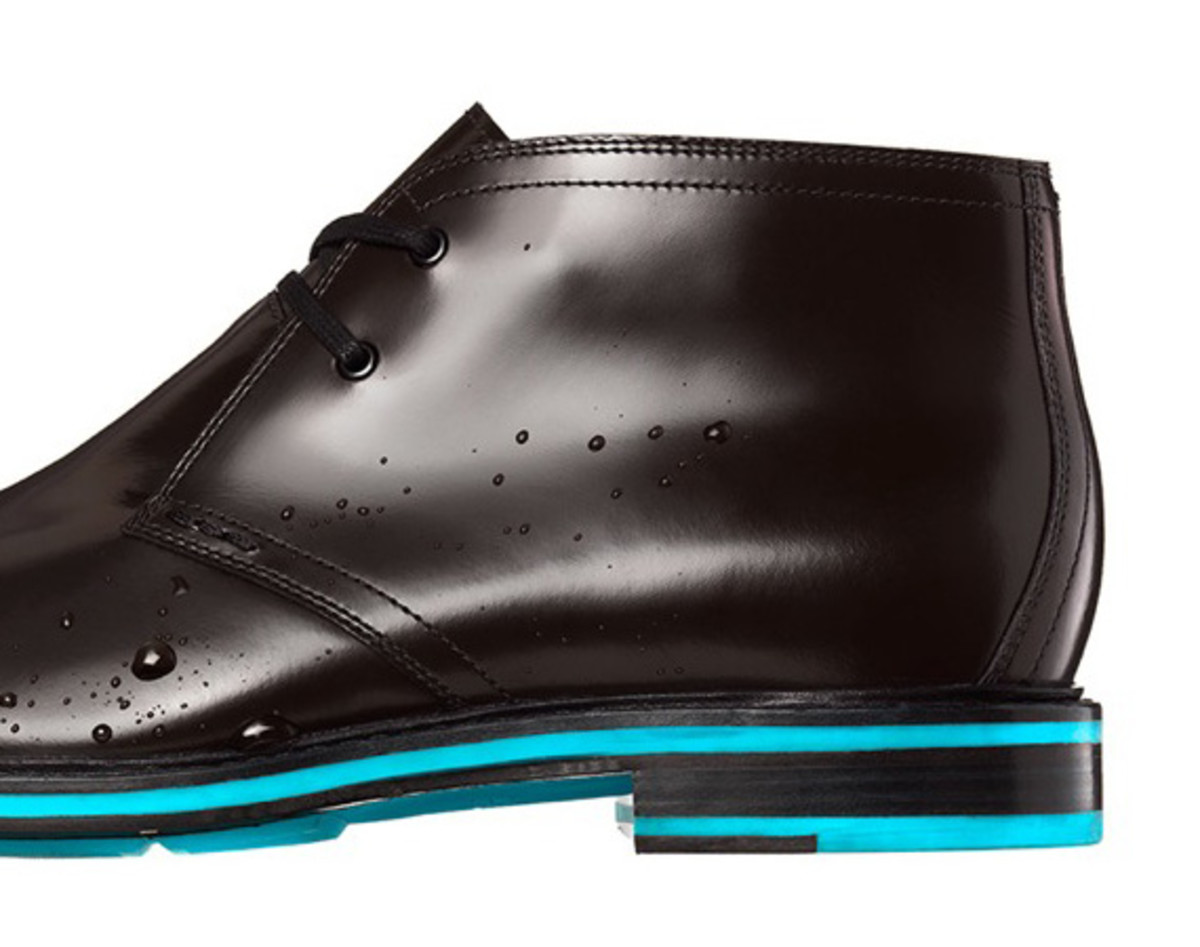 cole-haan-cooper-square-chukka-waterproof-reflective-edition-02