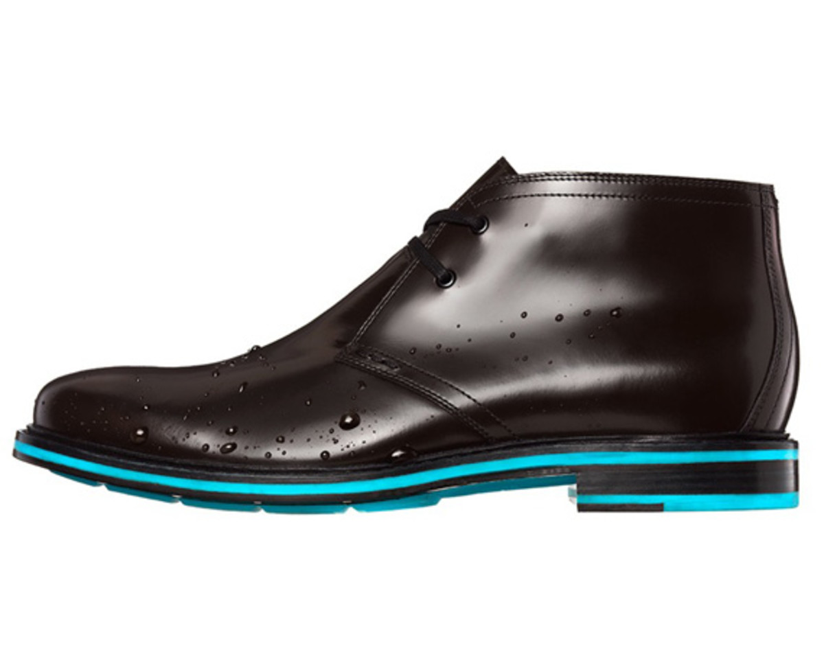 cole-haan-cooper-square-chukka-waterproof-reflective-edition-01