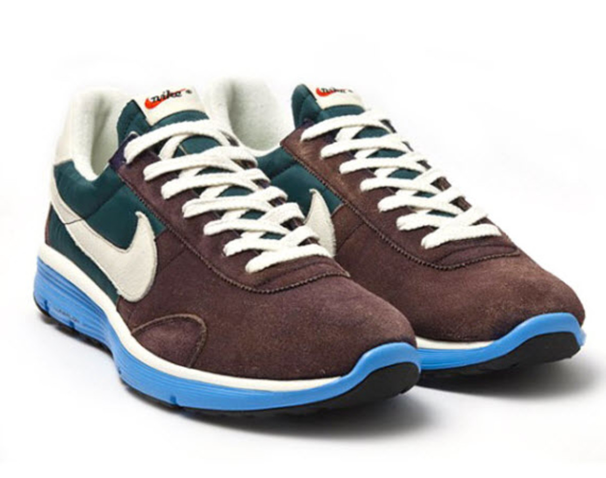 reputable site 6dd73 c3262 Love that old school look, but don t think you can give up that new age  comfort  Meet Nike s Pre Montreal Vintage Lunar, a retro-themed sneaker  that boasts ...