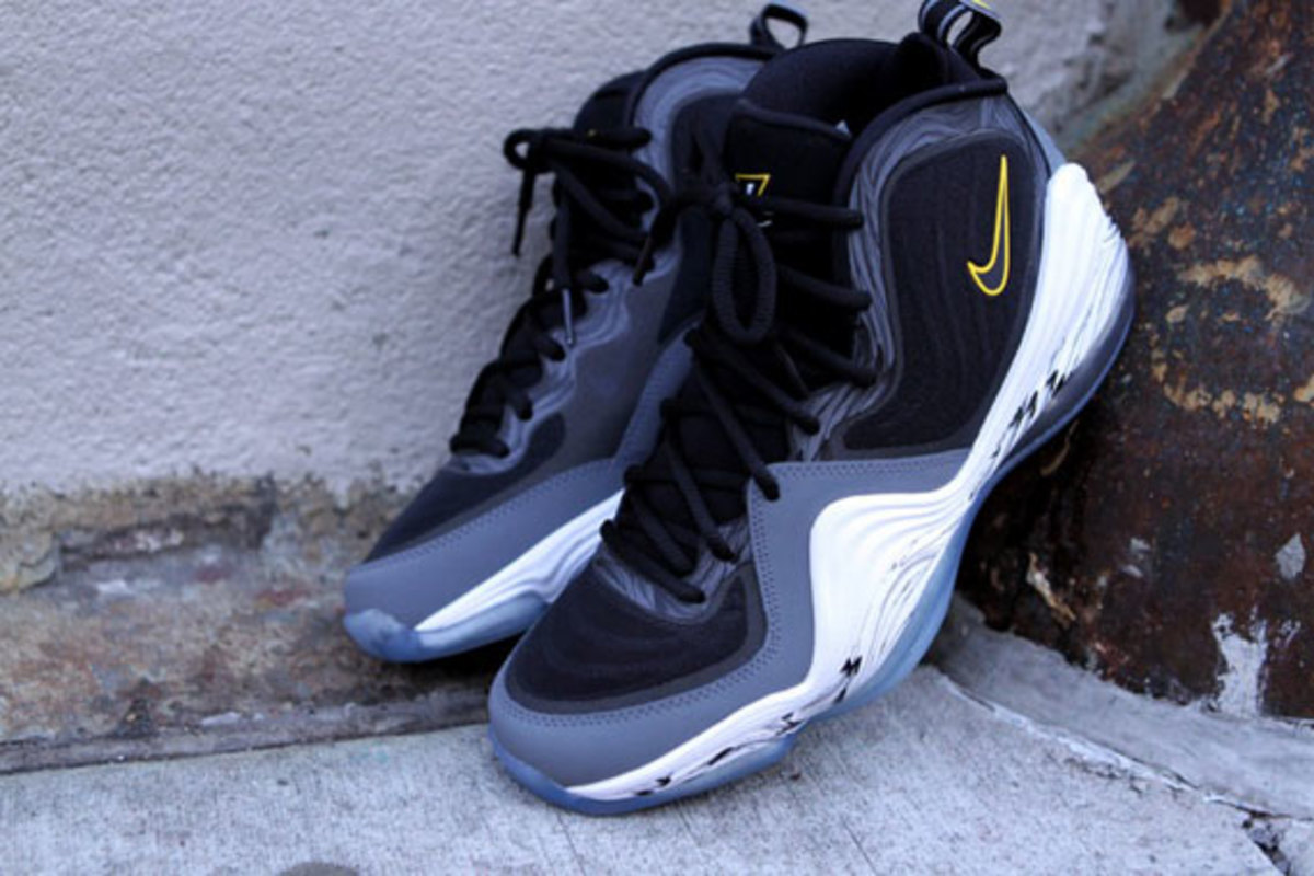 air-penny-v-tour-yellow-available-now-05