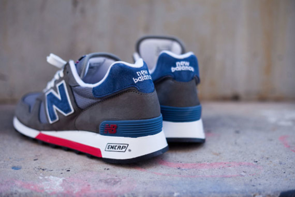 new-balance-made-in-usa-m1300er-grey-blue-red-07