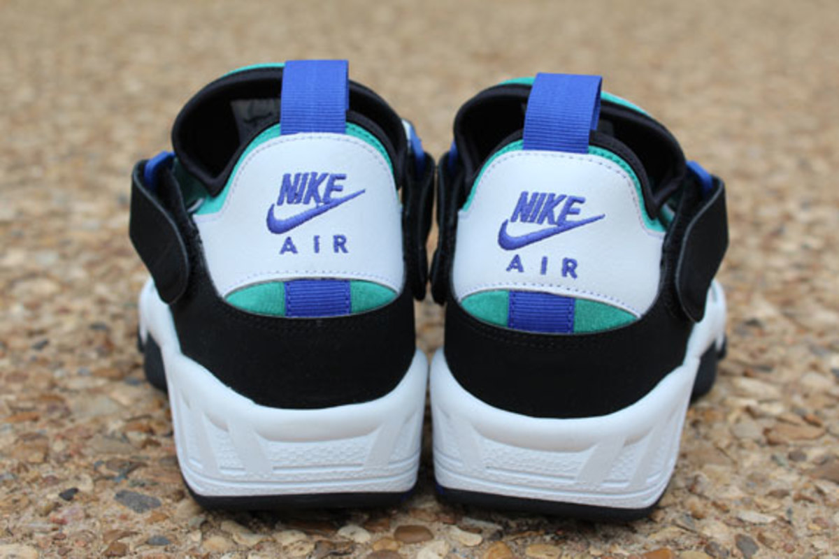 nike-air-trainer-huarache-94-white-lapis-08