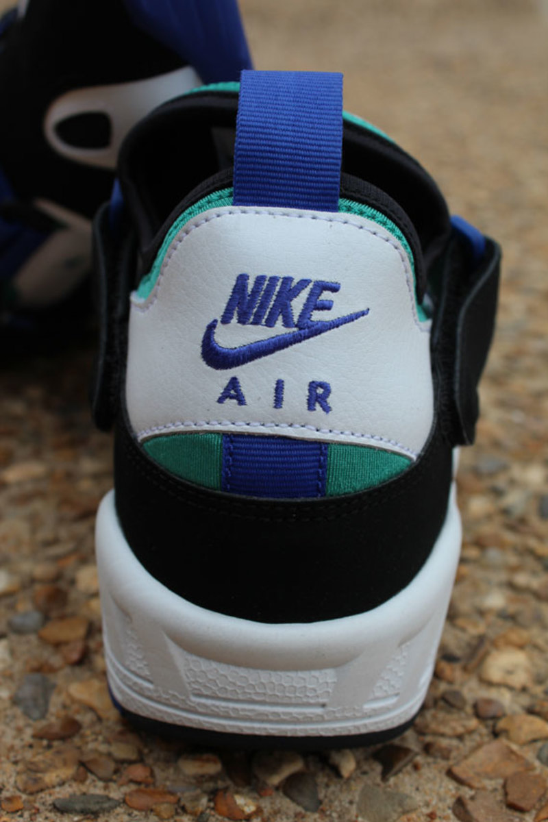 nike-air-trainer-huarache-94-white-lapis-10