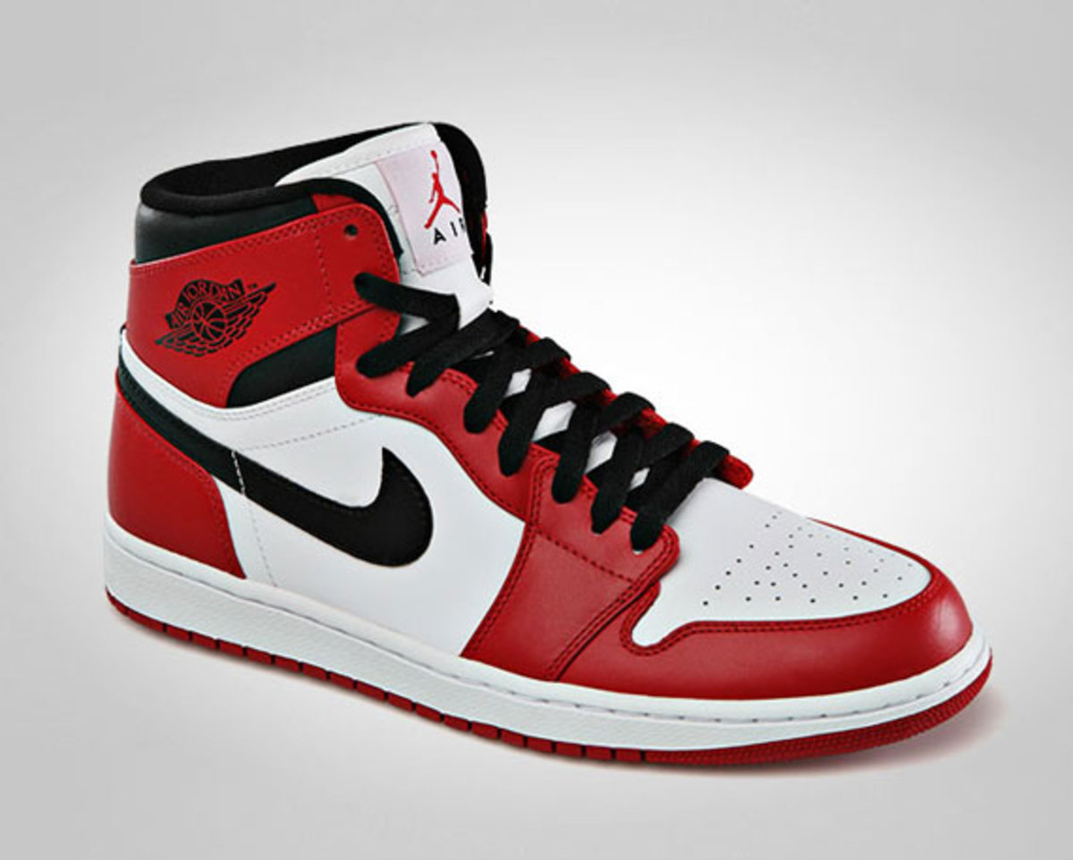 air-jordan-1-retro-high-white-varsity-red-black-official-images-02