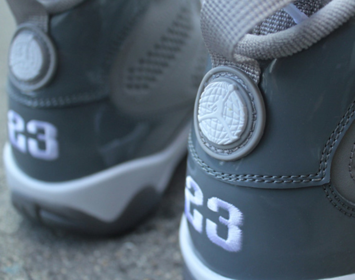 air-jordan-ix-9-cool-grey-02