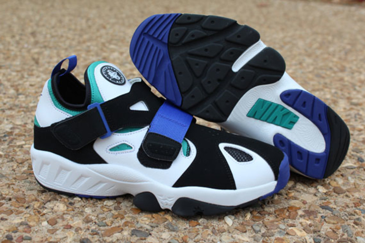 nike air trainer huarache 39 94 white lapis freshness mag. Black Bedroom Furniture Sets. Home Design Ideas
