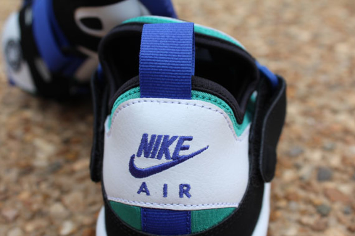 nike-air-trainer-huarache-94-white-lapis-04