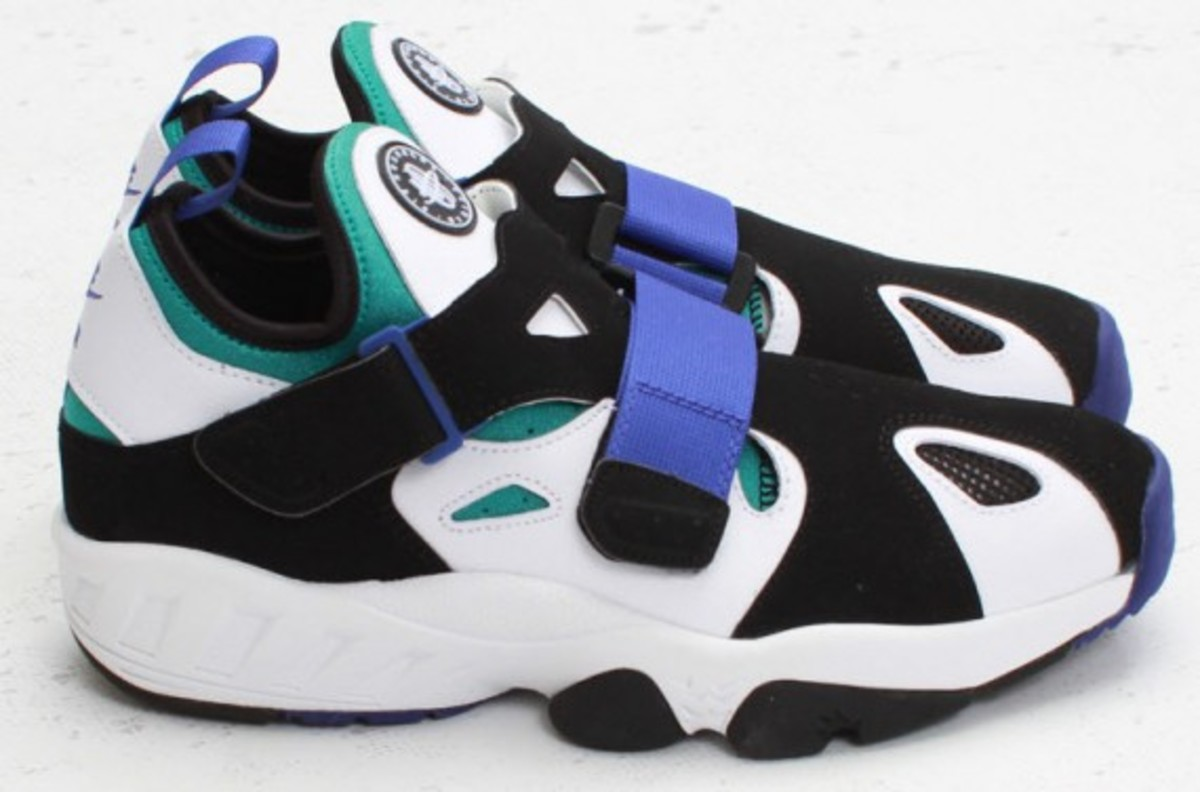 nike air trainer huarache 39 94 white lapis available now freshness mag. Black Bedroom Furniture Sets. Home Design Ideas
