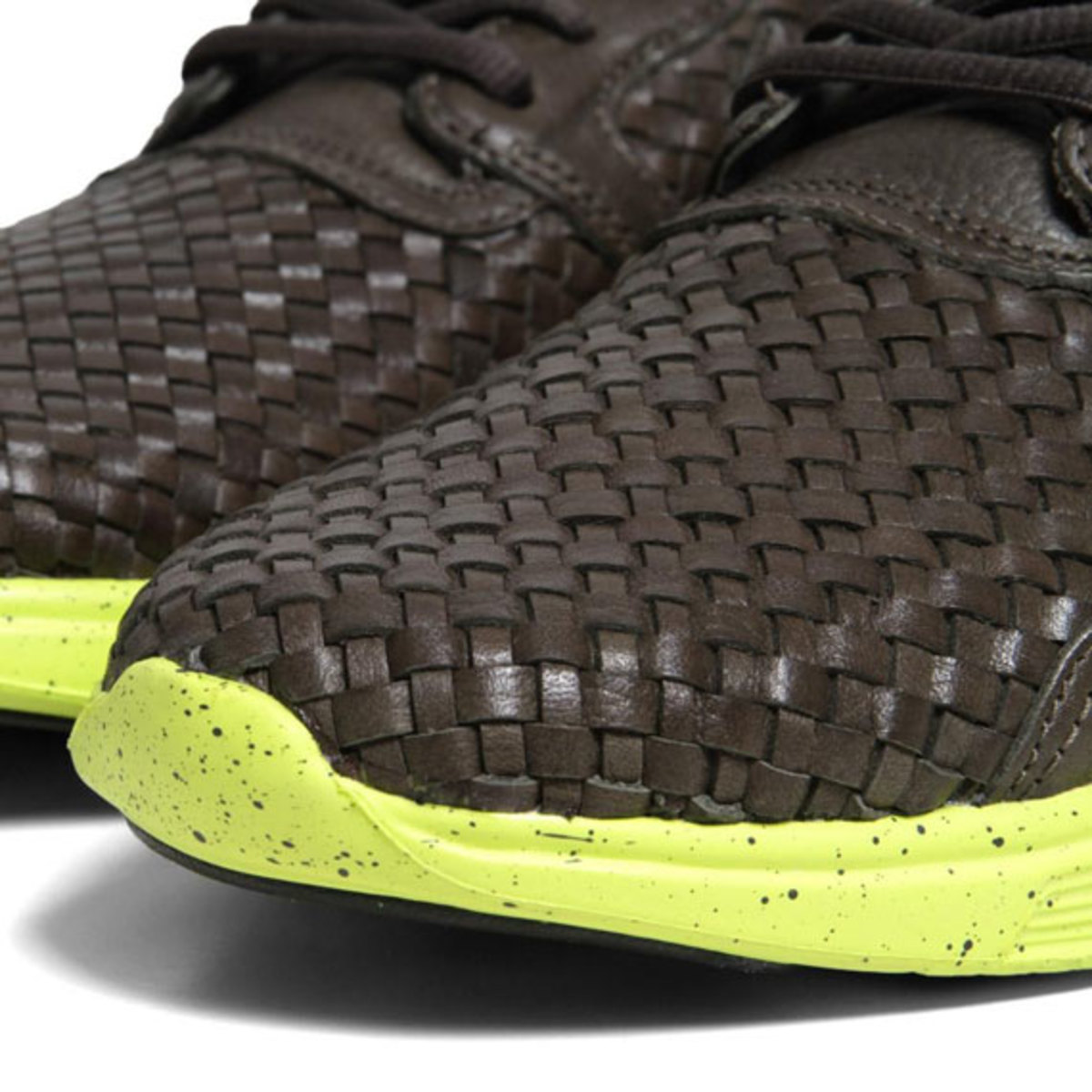 nike-lunar-flow-woven-leather-sable-green-05