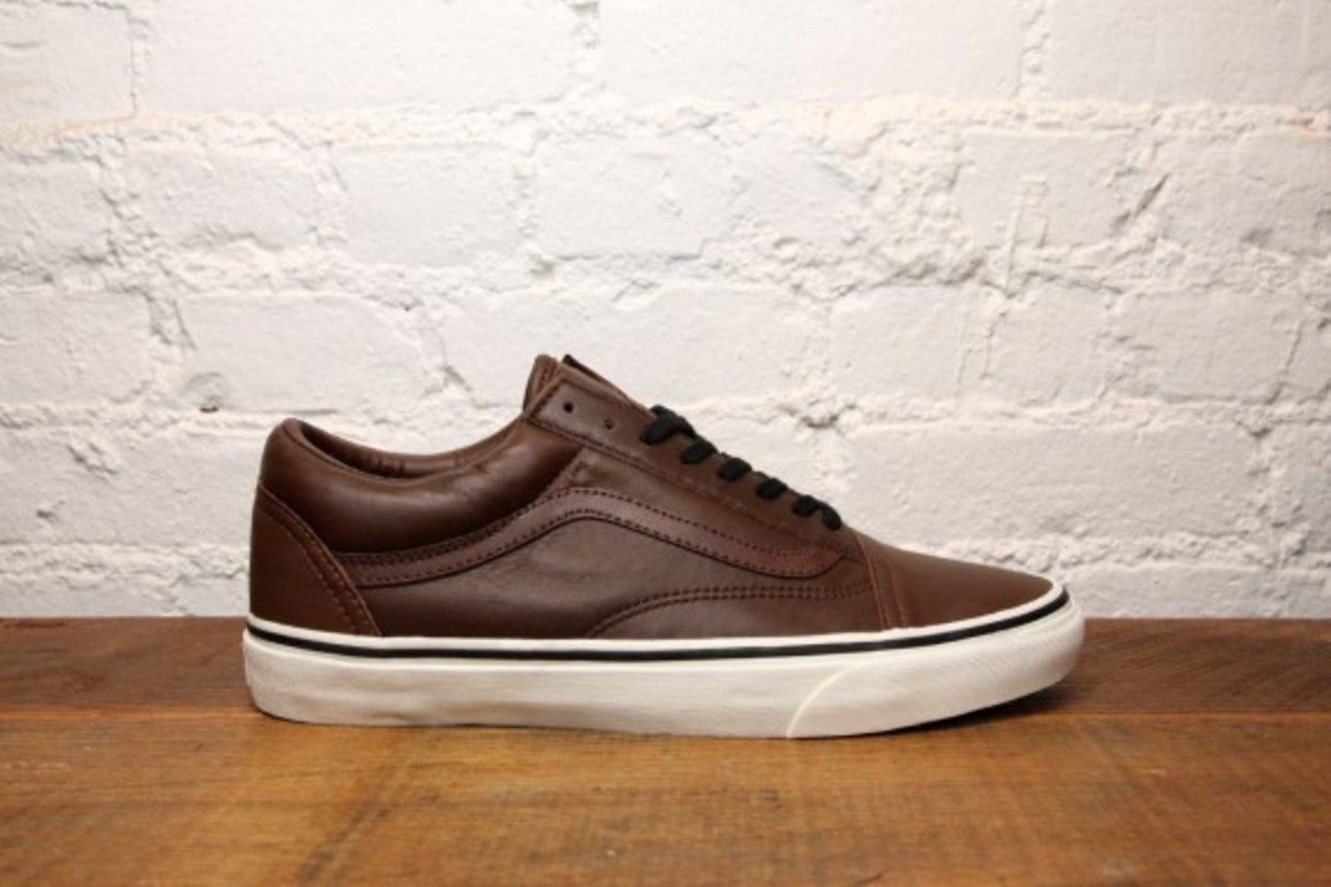 vans-old-skool-and-authentic-aged-leather-02