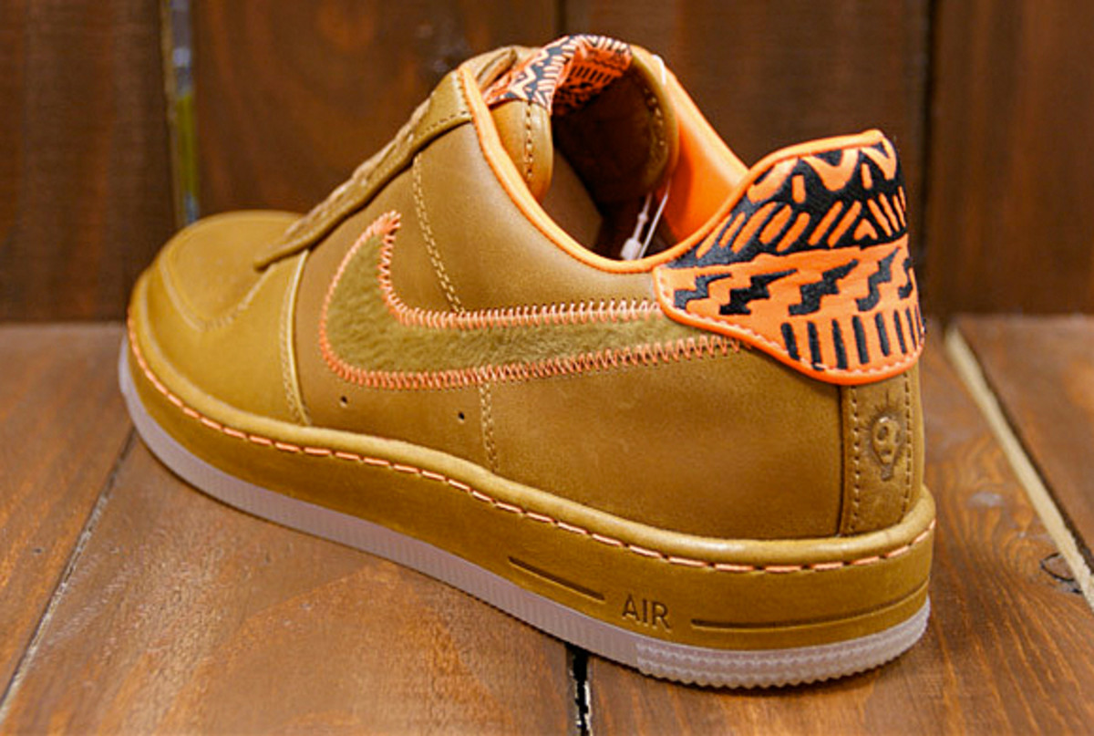 Nike Air Force 1 Low Downtown QS -